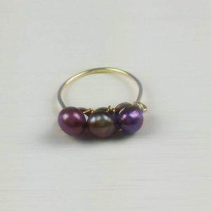 anillo de perlas Violeta
